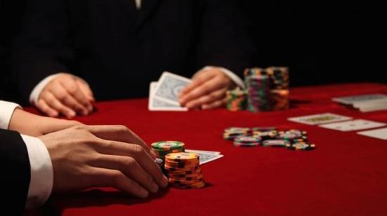 Grunnleggende blackjack-strategier